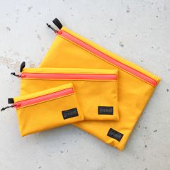 *BLUE LUG* dry pouch (yellow/flash red)